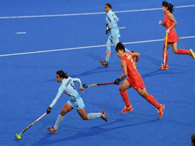 Women hockey, swimming and Weightlifting dissapoints Indian fans