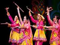 Godhra Muslims earn living by crafting 'dandiyas' for Navratri
