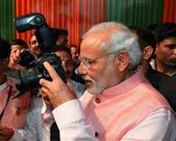 PM Narendra Modi to Meet Journalists Over Tea Today
