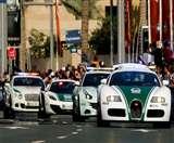दुबई पुलिस के बेड़े में शामिल हुई दुनिया की सबसे तेज पुलिस कार 'बुगाती'