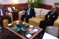 pak raises kashmir issue during foreign secretary level talk