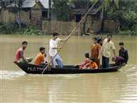People of darbhanga's kusheshwarstaan, suffer the problem of flood in every year