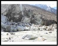गंगा के उद्गम स्थल गोमुख की आकृति बदली