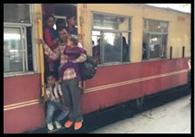 शिमला जाने के लिए ट्वॉय ट्रेन बनी लोगों की पहली पसंद
