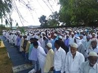 गोला में हर्षोल्लास के साथ मनायी गई ईद