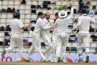 Australia on top after Sri Lanka batting collapse on Day 1