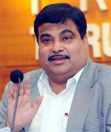 gadkari will feliciate bjp's meeting, eyes on modi