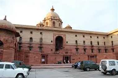 MHA reverses stand on Aadhaar, lends full support