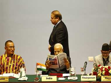 modi and nawaz did not salute with each other
