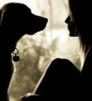 कुत्ते के प्रेम में की सारी हदें पार, उसे मानती है अपना बॉयफ्रेंड और यही नहीं