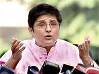 kiran bedi sends legal notice to arvind kejriwal