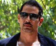 Rajasthan police gives clean chit to Robert Vadra in land case