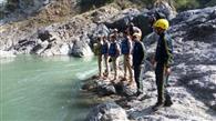 नदी किनारे सेल्फी लेना बन रहा मौत का कारण