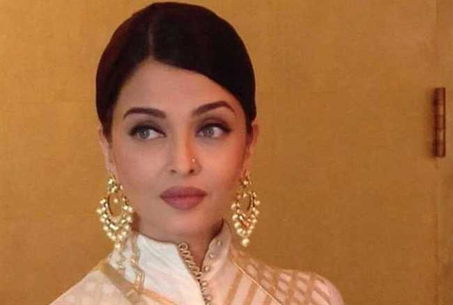 Aishwarya Rai gives the royal ignore to question on Amitabh Bachchan, PM Modi connection