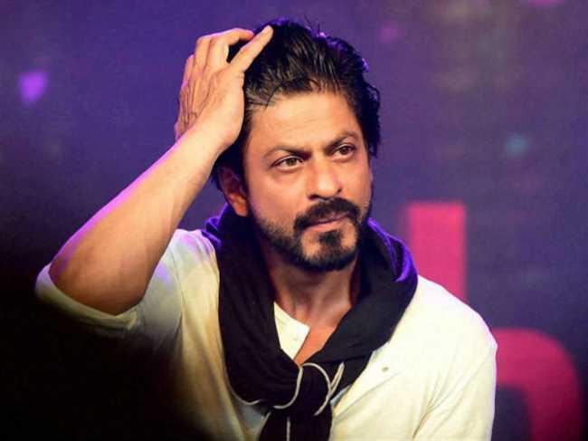 Fraud case filed in bihar on Bollywood superstar Shah Rukh Khan
