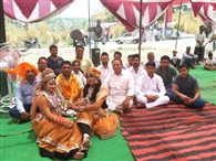 शनिदेव जयंती पर मंदिरों में उमड़े श्रद्धालु