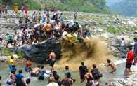 Famous Muna Mela Started In Agladh River At Jaunpur Block