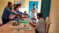 स्वयंसेवको ने बीडीओ को सौंपा मांग पत्र