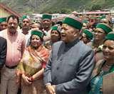 हिमाचल के सीएम वीरभद्र सिंह ने किए बदरी विशाल के दर्शन