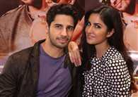 Katrina Kaif refused to gave solo pictures