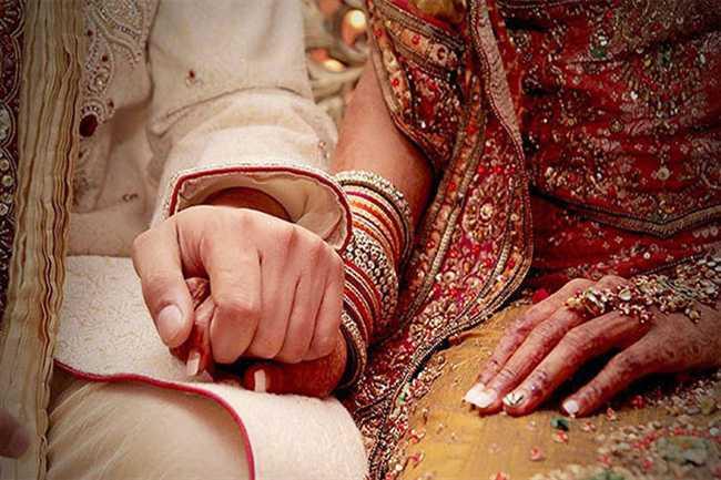 hindu girl get married with muslim boy in pakistan