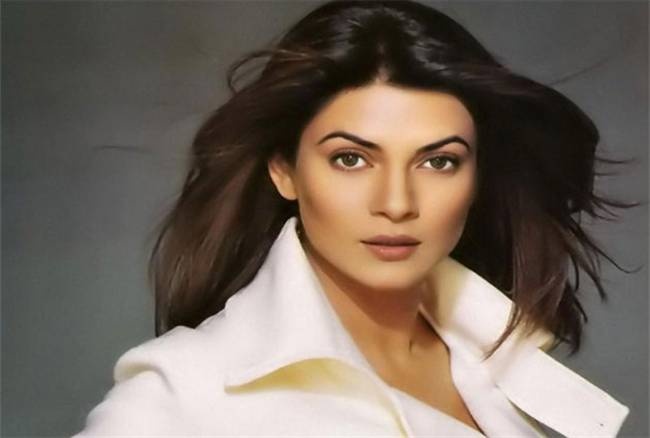 bmc send a notice to sushmita sen after finding mosquito breeding at her khar house