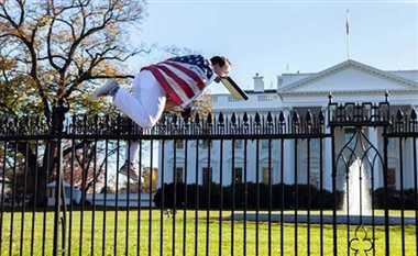 White House ,America ,Fence Jumper ,Barack Obama ,Tight Security,सुरक्षा,सेंध,व्हाइट हाउस,शख्स