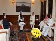 PM Modi met Sonia Gandhi and Manmohan singh on GST