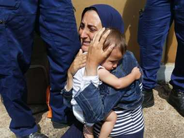 syria ,Syria refugee ,Syria crisis ,germany ,Jagran news,शरणार्थी,गुहार,मदद,गोली मार