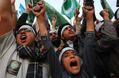 Charlie Hebdo protesters in Pakistan storm Christian school