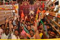 Ram Navami influx of devotees engaged in the temple, running from morning worship