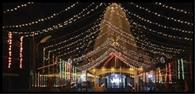 मंदिर सजे, बाजारों में रौनक