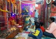देवी मंदिरों में उमड़े श्रद्धालु