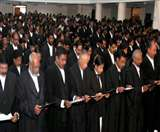 केस लड़ने के दौरान पैरवी में कोताही पर वकील को देना होगा मुआवजा