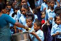 mid day meal worker should get 5000 per month