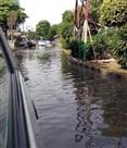 सेक्टर 45 में सीवेज का गंदा पानी सड़क पर