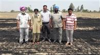 नाड़ को आग लगाने वाले किसानों को किया जुर्माना