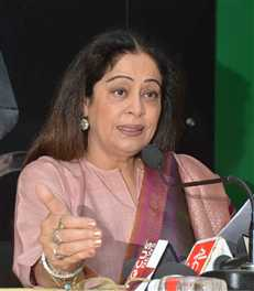 gay and lesbianns has right to live : kiran kher