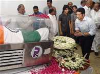 Tendulkar pays last respect to Kalam