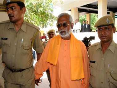 Swami Aseemanand gets bail in samjhauta blast case