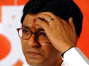 delhi court gives order to file fir against raj thackrey