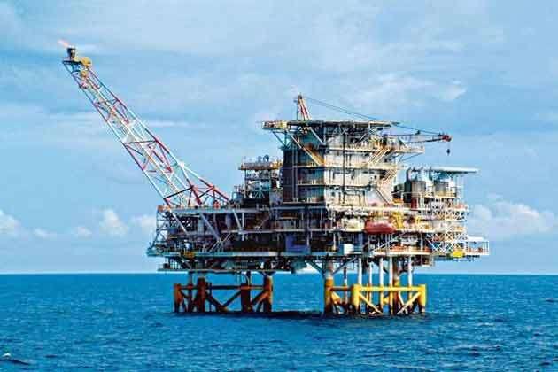 ONGC के तेल व गैस क्षेत्रों में बड़ी हिस्सेदारी निजी कंपनियों को देने की तैयारी में सरकार
