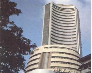 Sensex recovers 81 points in early trade