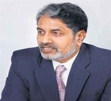 iit delhi derector rk shevgoankar quits over demand for sachin's academy