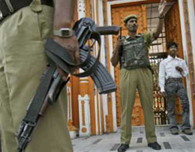 Man arrested for sending threat emails to 16 Raj ministers