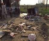 बेकाबू डंपर ने मां व दो बेटों समेत चार को कुचला, मौत