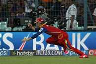 Ab de villiers has taken 7 catches in 5 matches