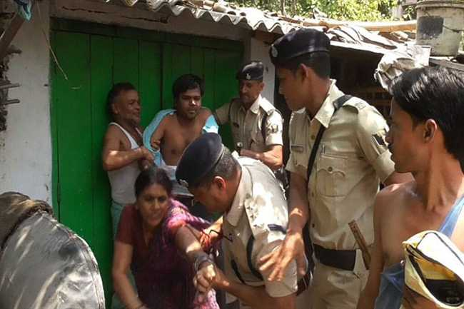 Police  brutally beaten woman in Patna, Video viral