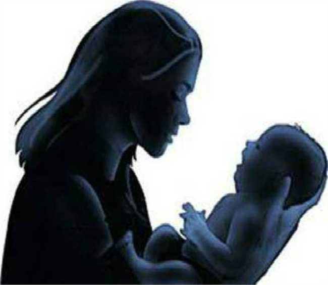 Being in jail, a unmarried girl gave birth to a girl ... Here's what case?