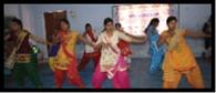 डांस प्रतियोगिता में शगुन-निहारिका प्रथम